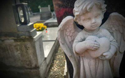Policisté varují před zloději v době památky zesnulých