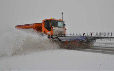 Zimní údržbu dálnic a silnic I. třídy zajišťují desítky kusů připravené techniky