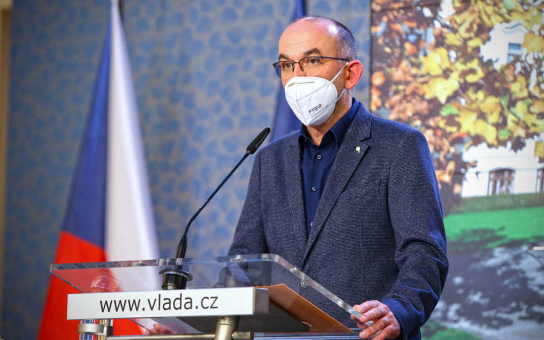 Epidemie COVID-19 začíná v ČR zpomalovat, přijatá opatření se projevují