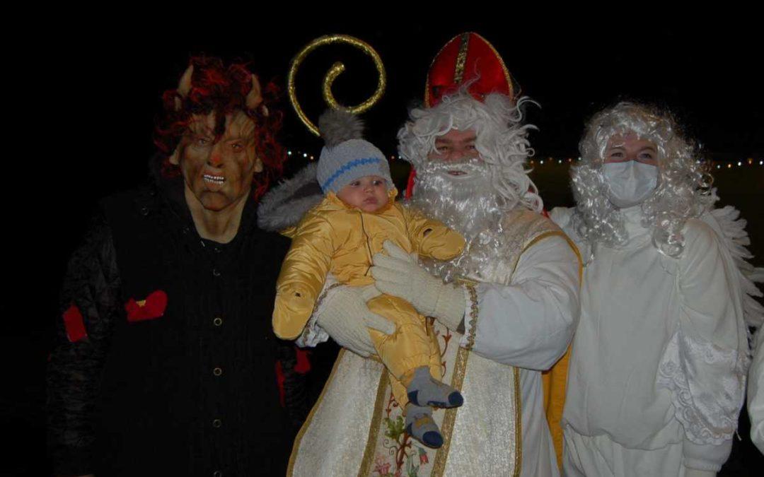 V Dívčím Hradě si děti užily Mikuláše, anděly i čerty