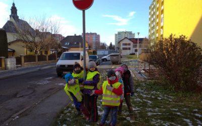 BRUNTÁL: Adventní dopravní soutěž pro první a druhé ročníky uspořádali ve školní družině