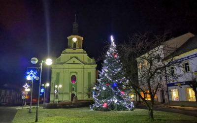 Podívejte se na vánoční náměstí ve Městě Albrechticích