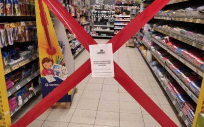 Vláda zvažuje otevřít obchody, které prodávají zboží pro školáky