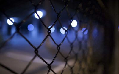Osmatřicetiletý muž z Krnova prodával padělky hodinek luxusních značek, hrozí mu až dva roky vězení