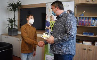 Výhru dostal budoucí bruntálský středoškolák k narozeninám