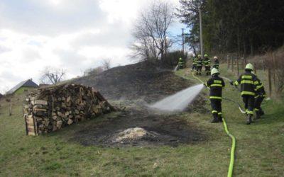 Počet požárů, které způsobí vypalování trávy a pálení biologického odpadu, neustále roste
