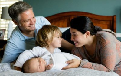 Sněmovna schválila s vyššími důchody i bonus za každé vychované dítě