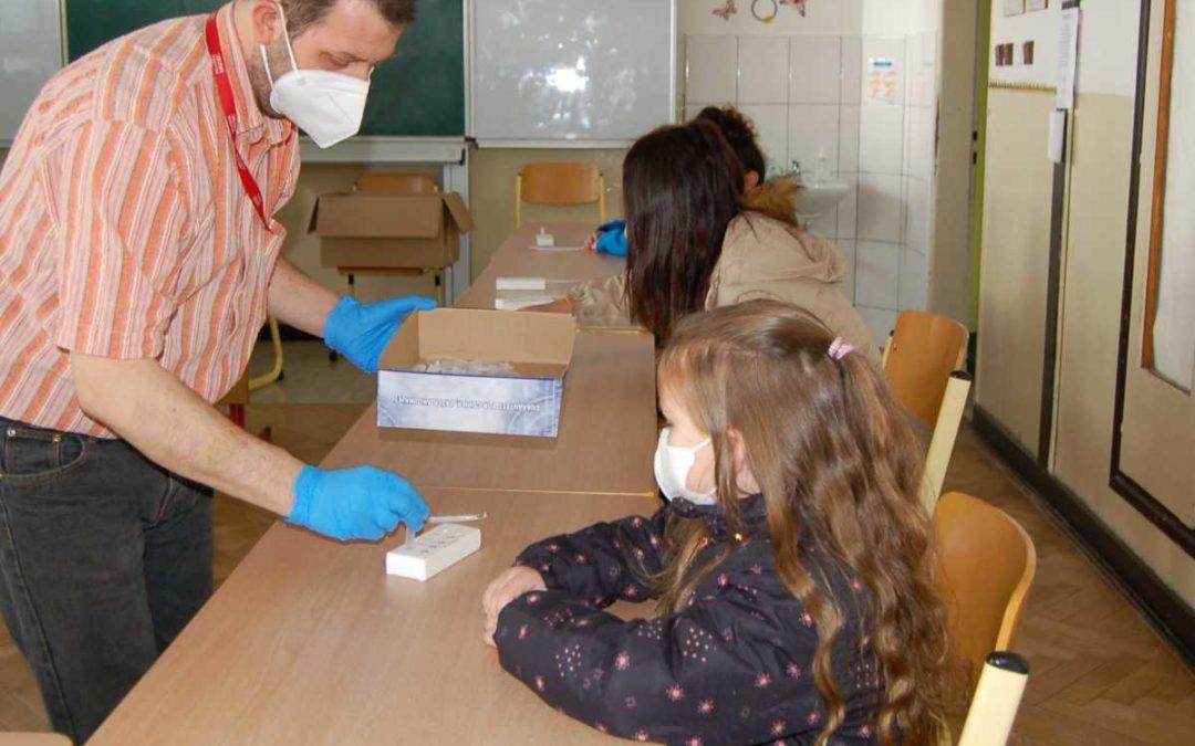 Testování ve škole v Osoblaze bylo bez problému, nikdo neměl pozitivní výsledek