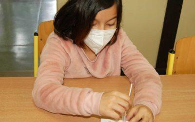 Ministerstvo zdravotnictví ve spolupráci s MŠMT začalo pravidelně testovat žáky a zaměstnance škol
