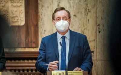 Ministr zdravotnictví Petr Arenberger: Na místě je obezřetnost a pomalé rozvolňování