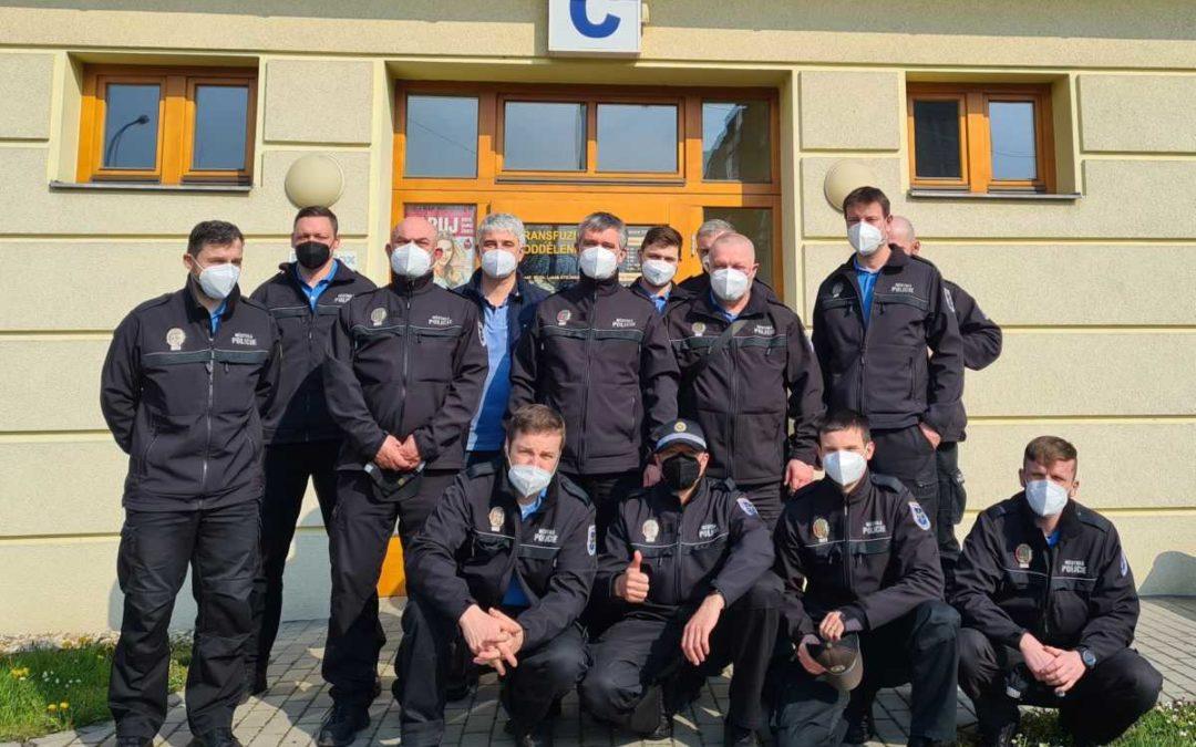 Strážníci Městské policie Krnov darovali krev