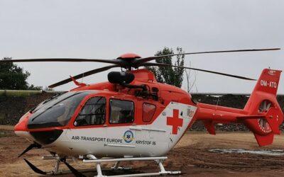 Horní Benešov: Kráva zranila muže na břiše, letěl pro něj vrtulník