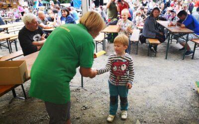 Nedělní program zakončil Lesní slavnost Lapků z Drakova