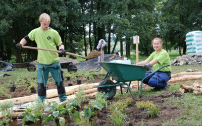 Vyhlášením vítězů skončí dnes v kosteleckém parku třídenní celostátní soutěž mladých zahradníků