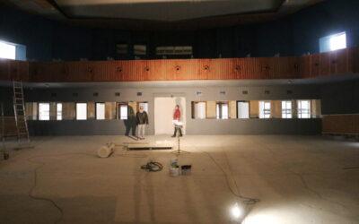 Rekonstrukce divadla v Krnově skončí v říjnu