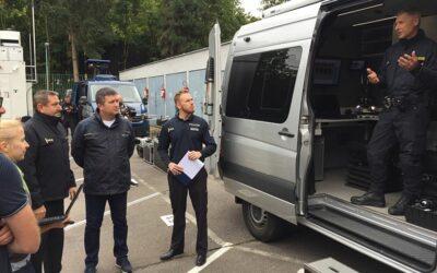 Schengenbusy, terénní vozy, drony i termokamery. Policie má dostatek nové techniky k ochraně státní hranice