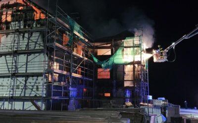 Ve Václavově u Bruntálu hořel v noci rozestavěný rekreační objekt