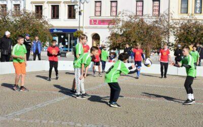 Sportovní den završil Večerní běh Bruntálem