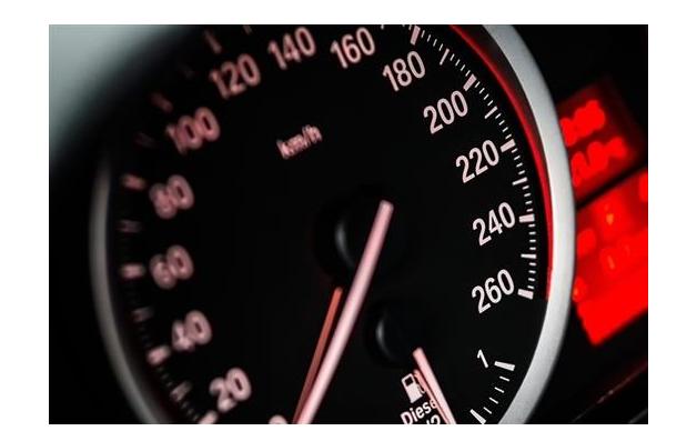 Bruntál: Měřič rychlosti poslouží ke zlepšení dopravy